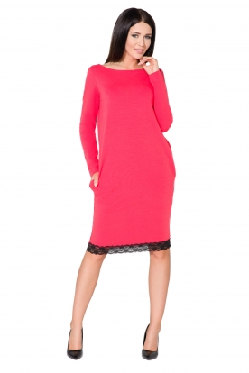 Koralinės spalvos suknelė su nėriniais