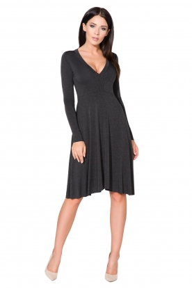 Tamsiai pilka suknelė