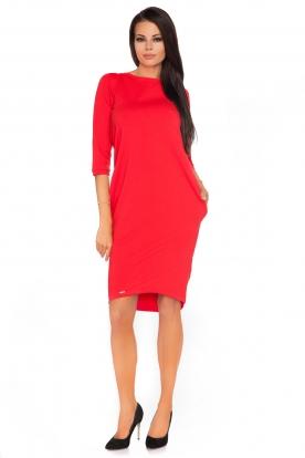 Raudona suknelė su kaspinėliu nugaroje