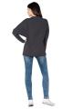 Pilkas sportinio stiliaus megztinis