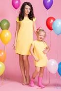 Geltona suknelė moteriai