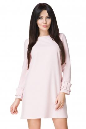 Rausva suknelė su puošniomis rankovėmis