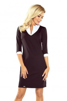 Dress with a square collar - black 110-4