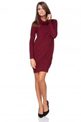 Jauki bordo spalvos suknelė
