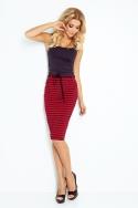 Raudonai juodas sijonas