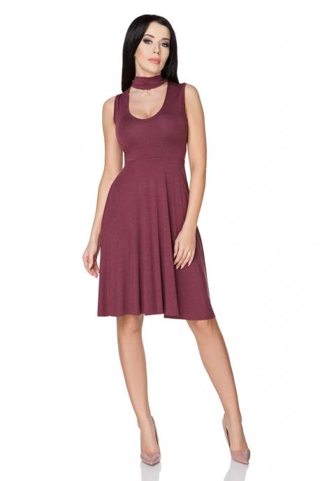 Bordo spalvos suknelė su raišteliais