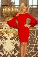 Raudona suknelė plačiomis rankovėmis