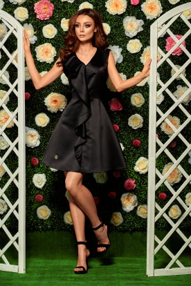 Stunning dress with a frill L259 black