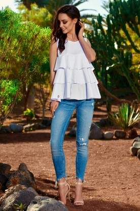 Fashionable blouse with a triple frill L249 white