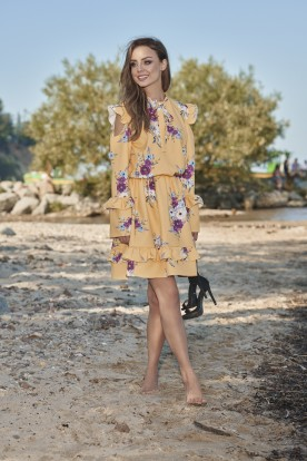 Fashionable dress with open arms L276 yellow with flowers