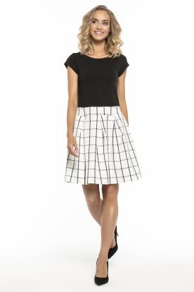 Stilinga juodai balta suknelė