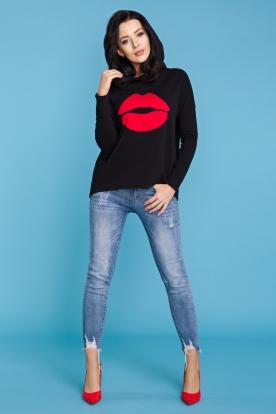 Juodas džemperis moteriai