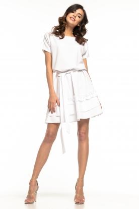 Balta suknelė