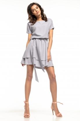 Šviesiai pilka stilinga suknelė