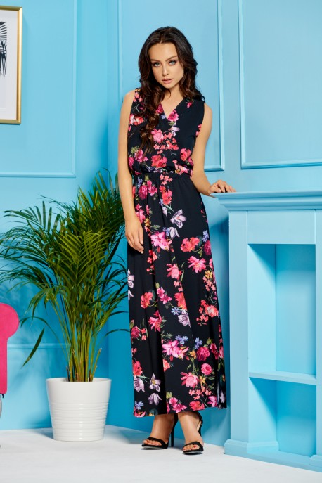 Maxi dress with an envelope neckline L304 black