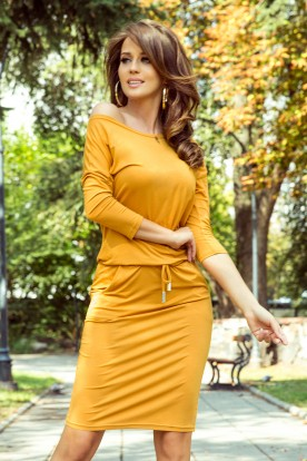 13-112 Sporty dress - honey