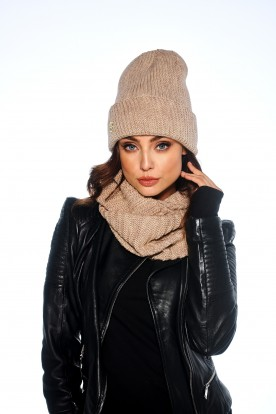 Oversized cap with pompom for winter LC109 camel