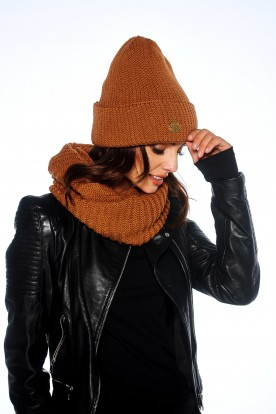 Oversized cap with pompom for winter LC109 caramel