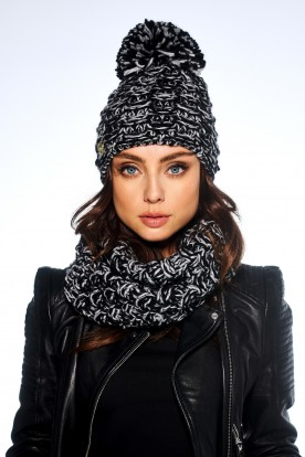 Feminine SET: Cap with pompom and chimney scarf LC114 black