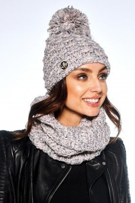 Feminine SET: Cap with pompom and chimney scarf LC114 powder pink