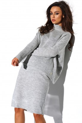 SET: A turtleneck sweater and skirt LS260 light grey