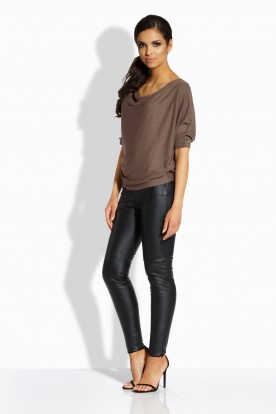 L205 Feminine blouse in the form of a bat cappuccino