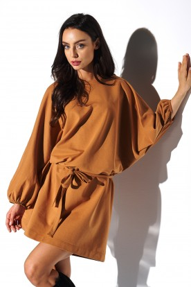 Sweatshirt dress with wide sleeves LN113 caramel