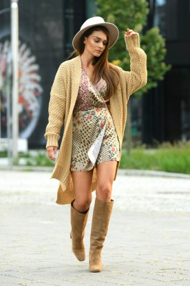 Long oversize cardigan with a weave LS302 camel