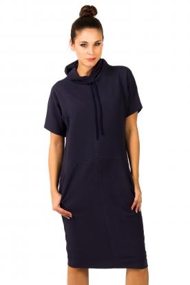 Mėlyna sportinio stiliaus suknelė