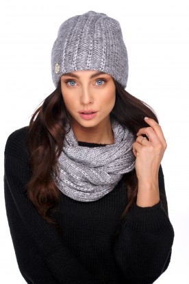 An elegant set of hat and scarf with wool LC130 silver