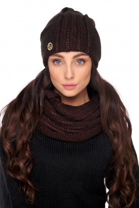 An elegant set of hat and scarf with wool LC130 brown