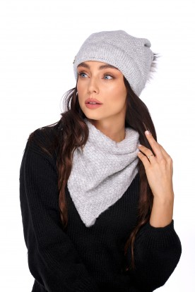 Cap with fur pompom and scarf LC132 light grey