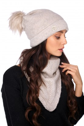Cap with fur pompom and scarf LC132 beige