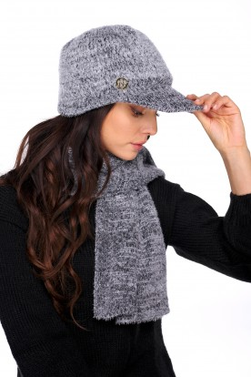 Set of cap with a visor and a scarf LC138 black